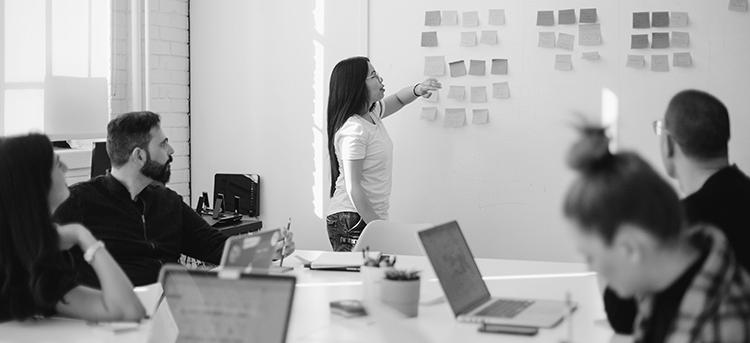 ¿Cómo dirigir el proceso creativo de una campaña publicitaria?